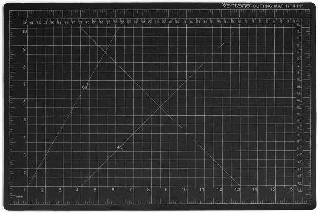 Dahle Vantage Self Healing Cutting Mat: Black, 18 x 24 Inches Cut Size
