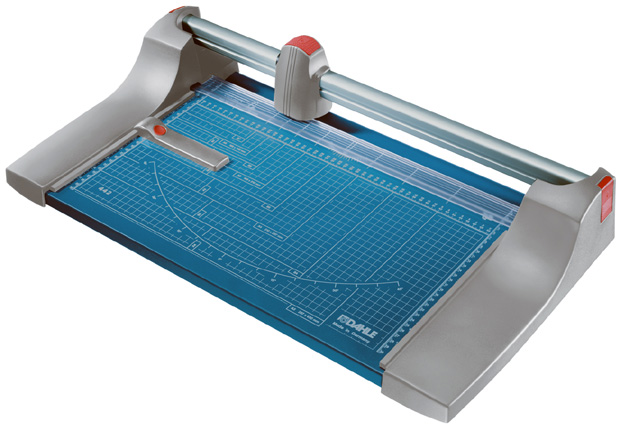 Dahle Premium Rolling Trimmer: 12 1/8 Inch Cut Length