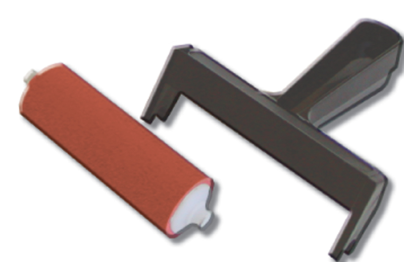 "Inovart 8"" Snap Out Hard Rubber Brayer"