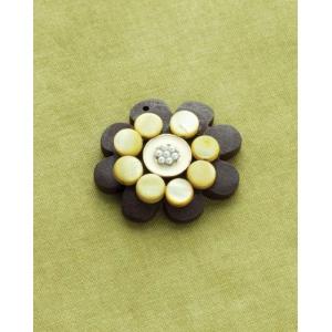 Making Memories Vintage Groove by Jill Schwartz Pendants: Shell Flower