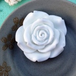 Marion Smith Designs Resin Roses: White, Large